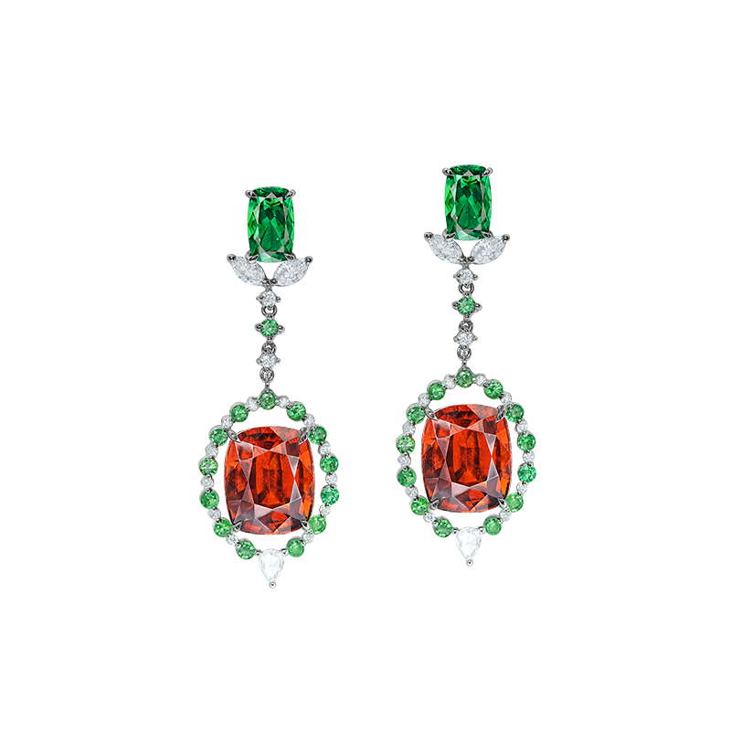 鈣鋁榴石鑽石耳環 12.77克拉