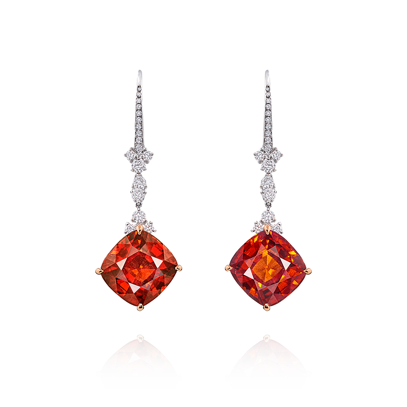 鈣鋁榴石鑽石耳環 11.18克拉